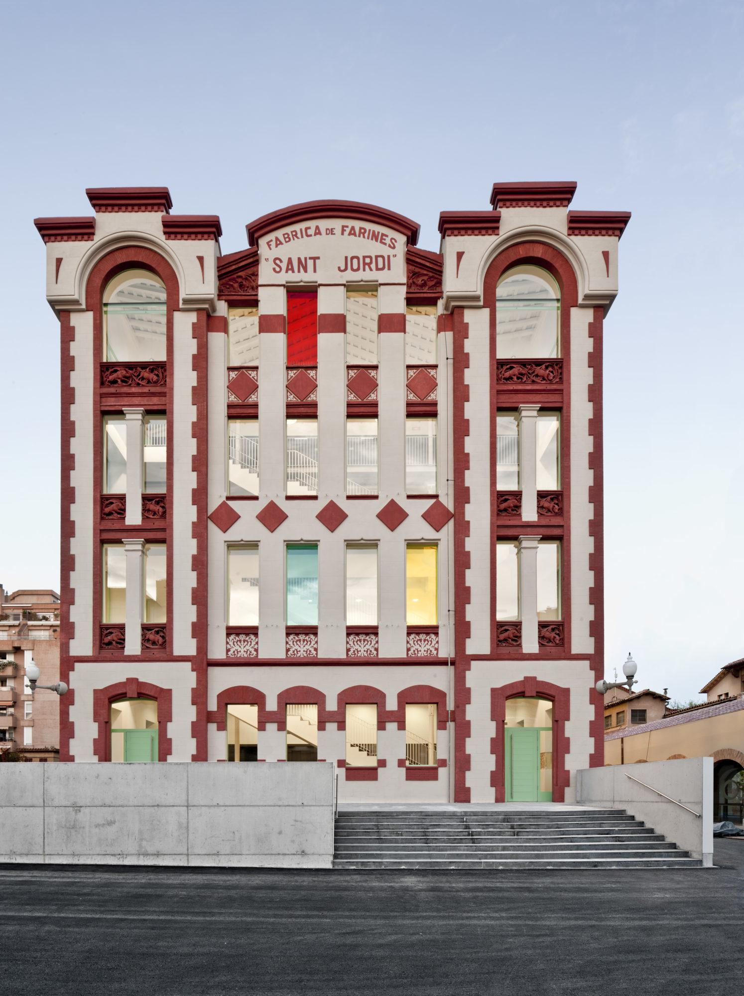 Centre d'arts visuals La Farinera - Garcés - de Seta - Bonet