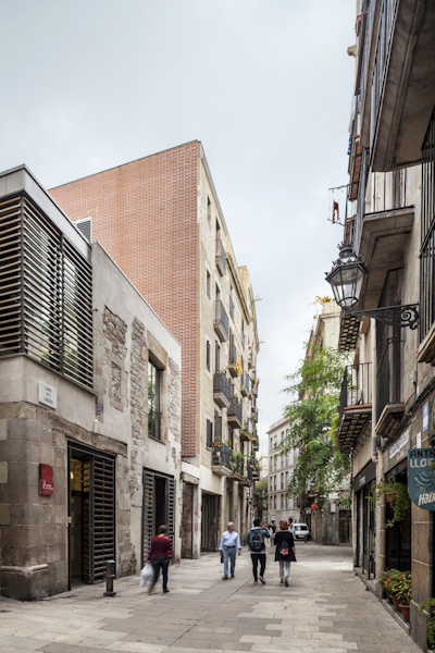 24 Apartments and commercial premises in Carrer de Carders - Garcés - de Seta - Bonet