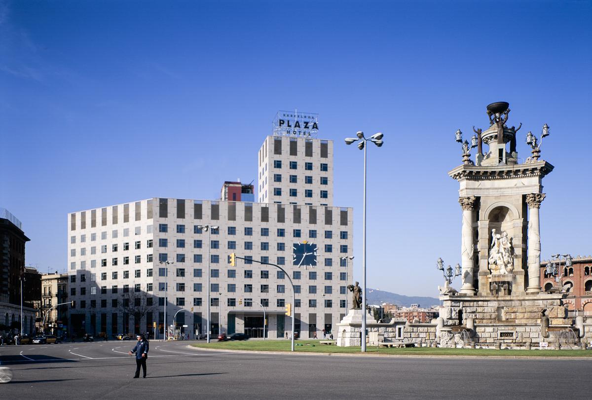 Hôtel Plaza - Garcés - de Seta - Bonet