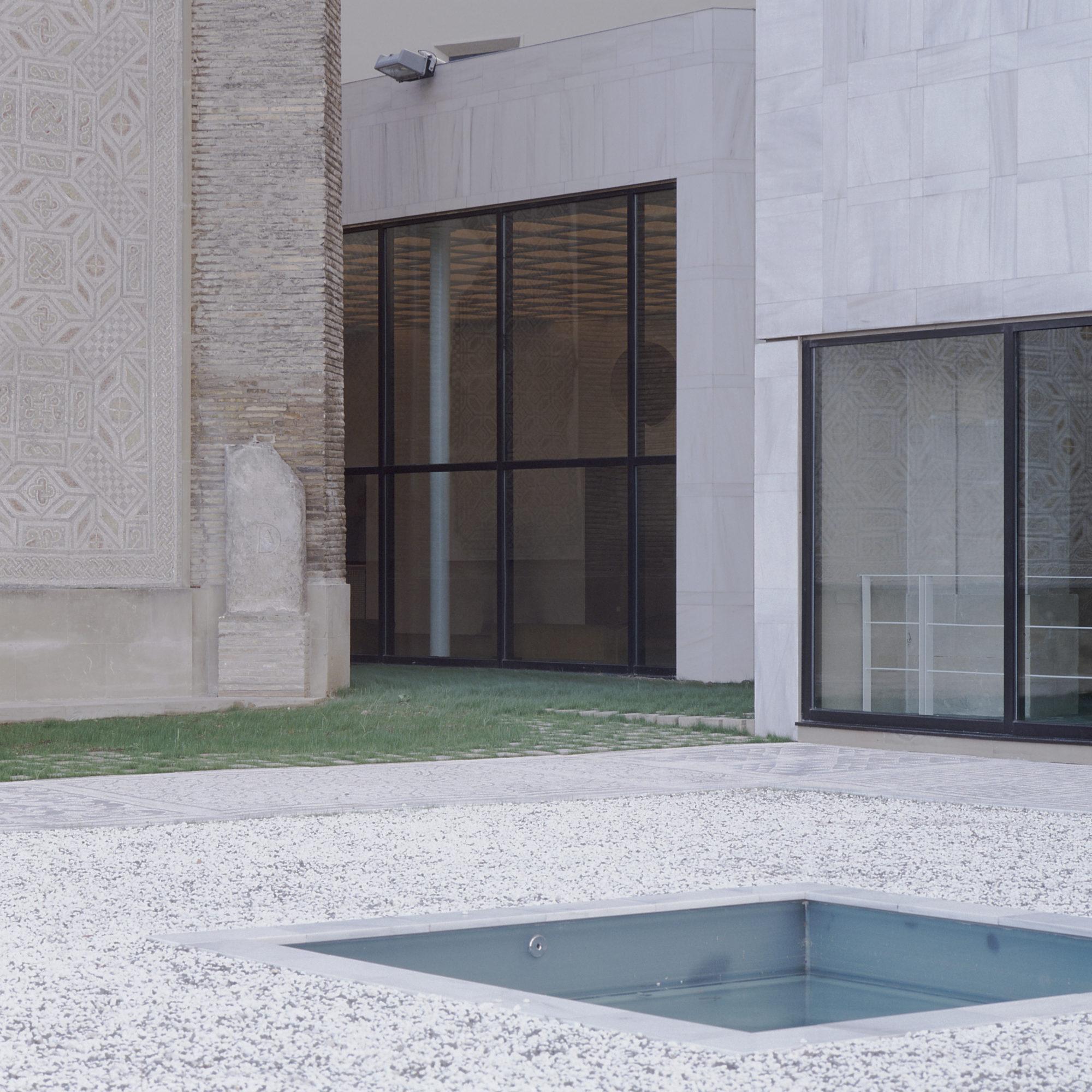 Museu d'Art de Navarra - Garcés - de Seta - Bonet